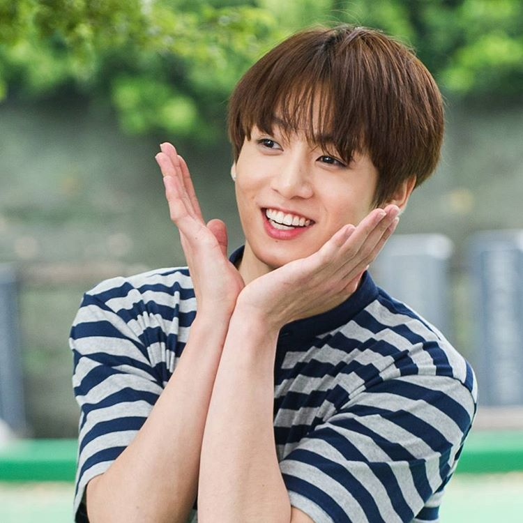 Picture Bts Jungkook On Flower Crew 160713